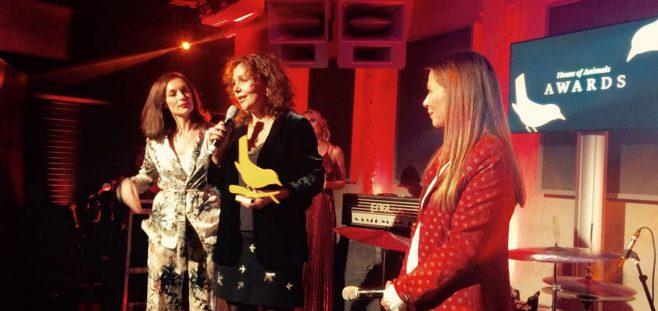 Dutch ELLE and Harper's Bazaar win award for fur-free statement